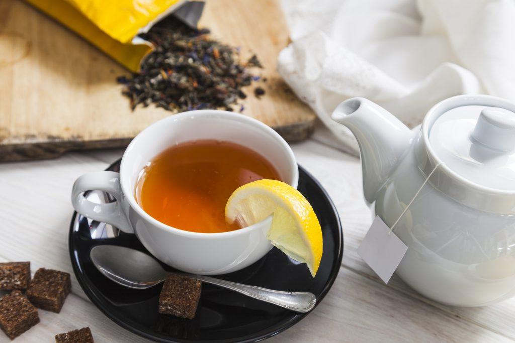 gyógynövényes tea citrommal