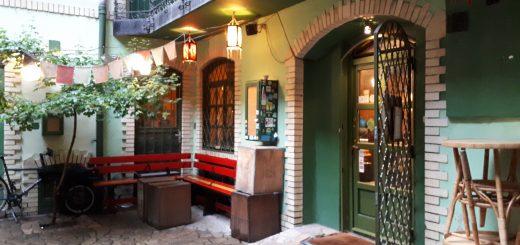 1000TEA teaház a Váci utca egy belső udvarán ban (fotó: szeretlekTEA)